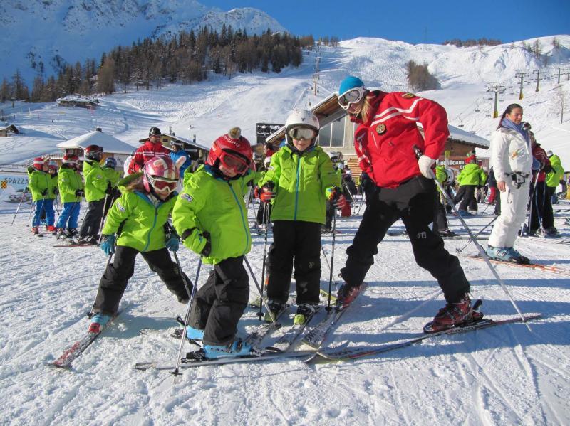 Courmayeur ski snowboard teacher