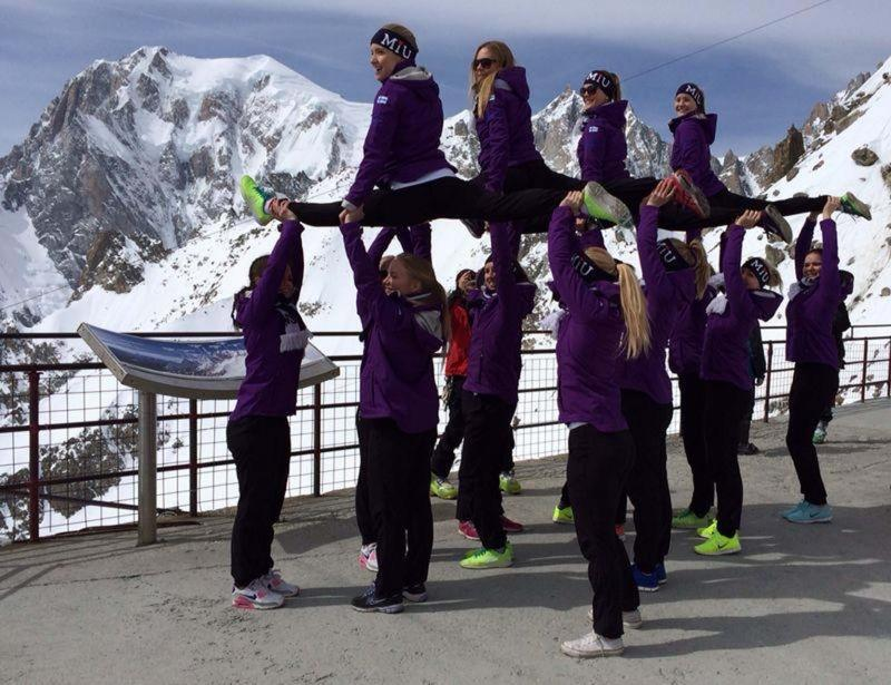 skating courmayeur events incentive meeting mountains